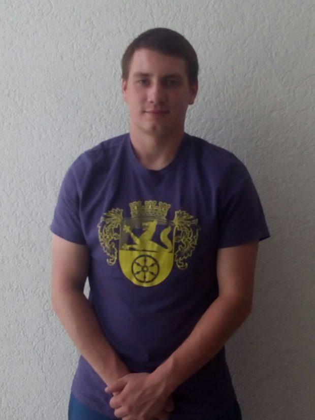 Steffen Einweck, 21 Jahre alt und das fünfte Mal Kerbebosch. Ich mache Kerbebosch, um die Tradition der Kerb fortzusetzen, das 20-jährige Jubiläum zu feiern und den Verein zu unterstützen.